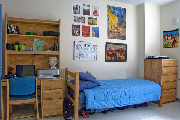 clean-dorm-room